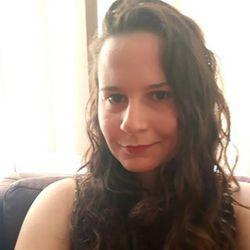 Livia Poliselli de Carvalho - inglés a portugués translator