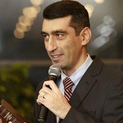 Elshan Abdullayev - English to Azerbaijani translator