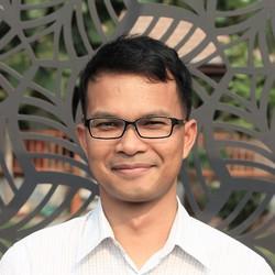 Sunchai DIEKRATOK - inglés a tailandés translator