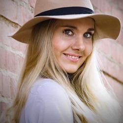 Tara O'Friel - inglés a noruego translator