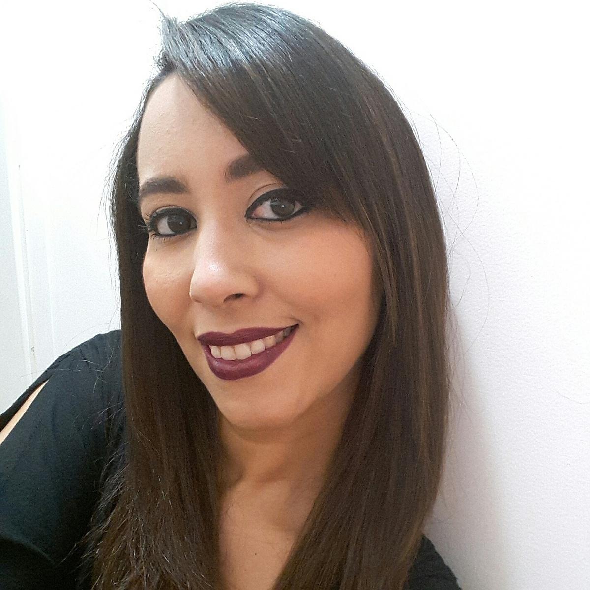 Aline Barbosa - English to Portuguese translator