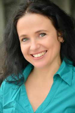 Valeria POUZA - Spanish to French translator