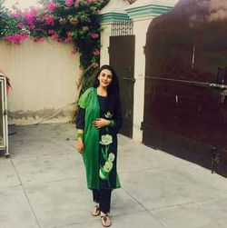 Anum Rashid - inglés a urdu translator