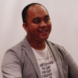 Mohamad Ikhsan - inglés a indonesio translator