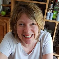 Geneviève Daloze - English to French translator