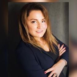 Mihaela Dinu - English a Romanian translator