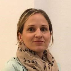 Marion Bartolot - English to German translator