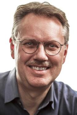 Morten Hjertholm - inglés a danés translator