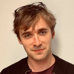 Mads Qvortrup - inglés a danés translator