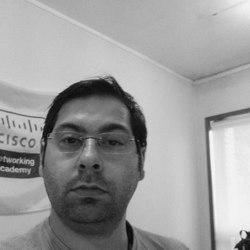 Hélder Teixeira - English to Portuguese translator