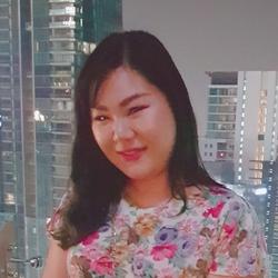 Natchaleepon Chiralertpong - inglés a tailandés translator