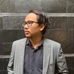 Taufik Hidayat - angielski > indonezyjski translator