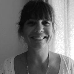 Samantha Hoffmann - English to French translator