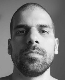 Nikos Ziogas - inglés a griego translator