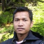 Pinit Usadee - inglés a tailandés translator