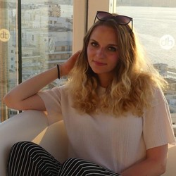 Veronika Hantakova - checo a eslovaco translator