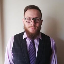 Nicholas Yannoudis - inglés a griego translator