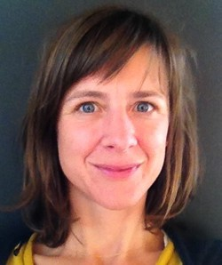 Flora Rauly - inglés a francés translator