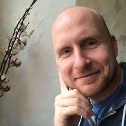 Dieter Van Tilburgh - French to Dutch translator